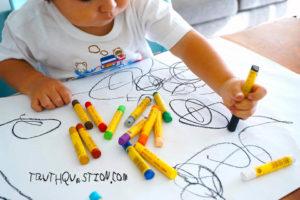 kids scriblling