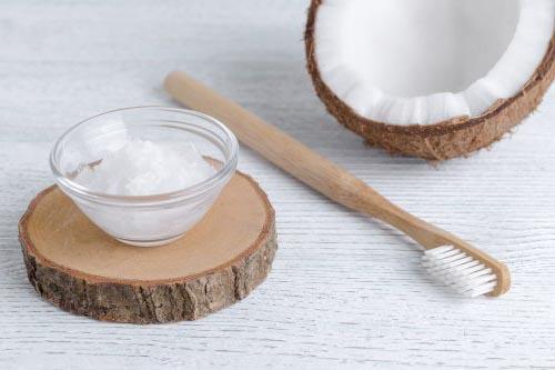 coconut oil for gum health