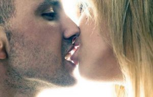 couple kissing learn how to kiss