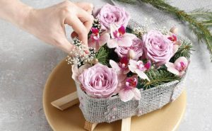 matching the wedding bouquet with dress
