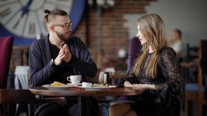 conversation topics to avoid while talking with a girl